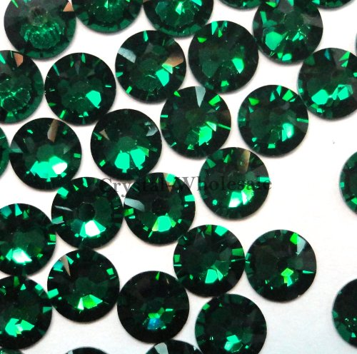 Emerald Flat Beads (144 pcs Emerald (205) Swarovski 2058 Xilion / NEW 2088 Xirius 20ss Flat backs Rhinestones 5mm ss20)