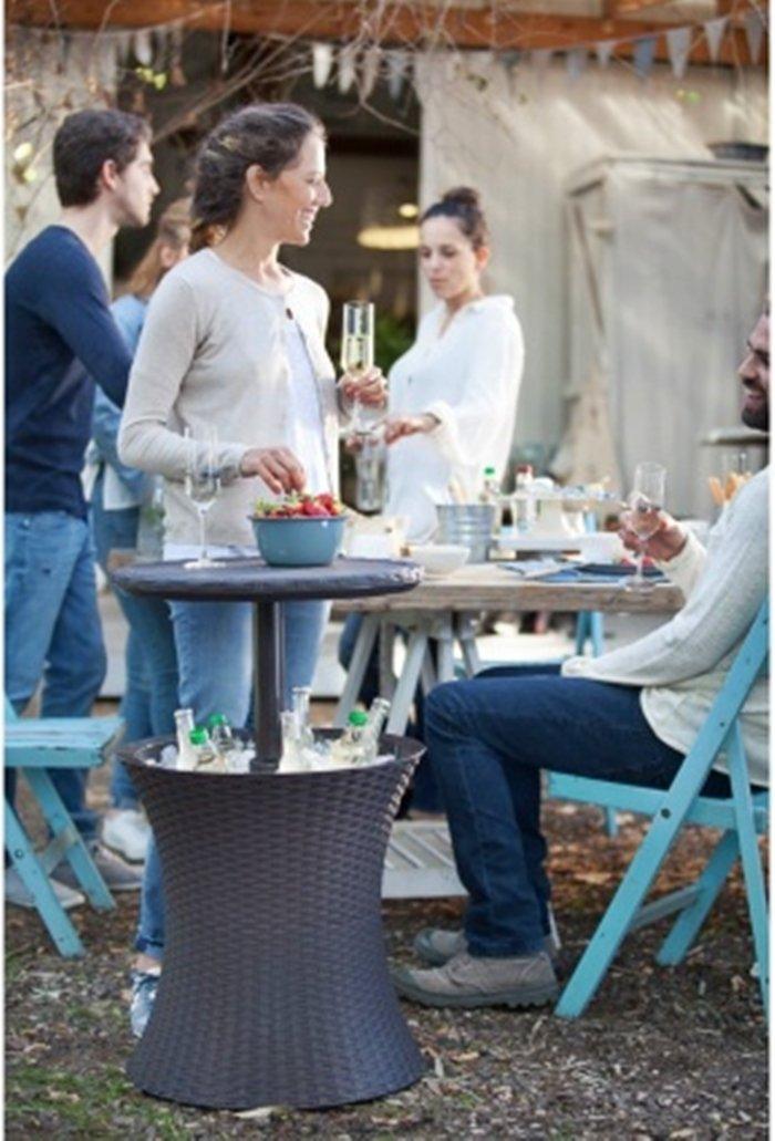 Scotrade Fabulous 2-in-1 Keter Cooler Bar Table Party Table Coffee Garden Patio Ice Box.