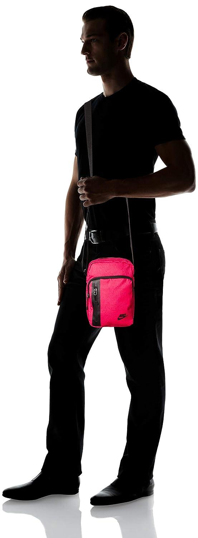 5e1f4bc1c5 Nike Tech Small Items bandoulière Unisexe Adulte