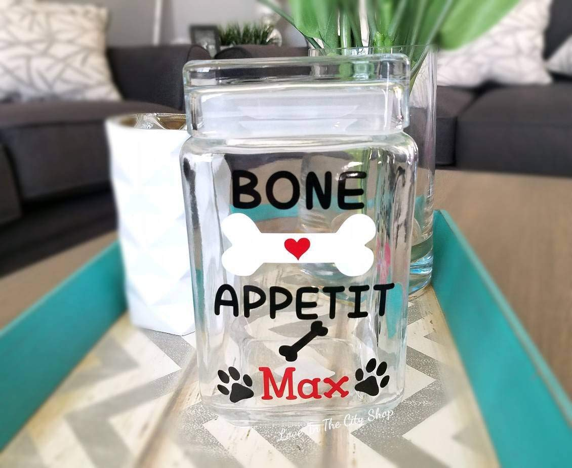 A customized dog treat jar! Dog Treat Jar a fully custom glass cookie jar perfect for dog lovers