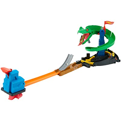 Hot Wheels City Cobra Crush Playset: Toys & Games