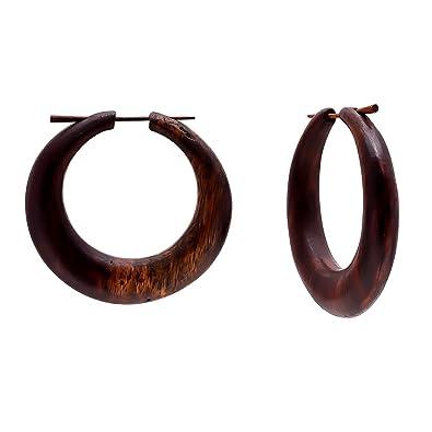 15be3ea33f76 Crafted Studio - Pendientes de mujer tibetanos de madera tallada en color  marrón envejecido
