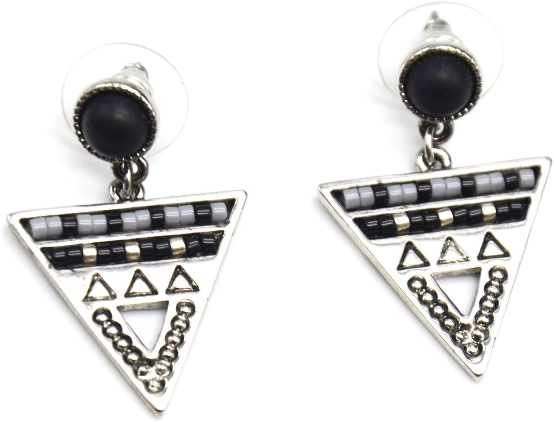 BO767D – Pendientes de piedra redonda negra y triángulo invertido, diseño étnico con perlas