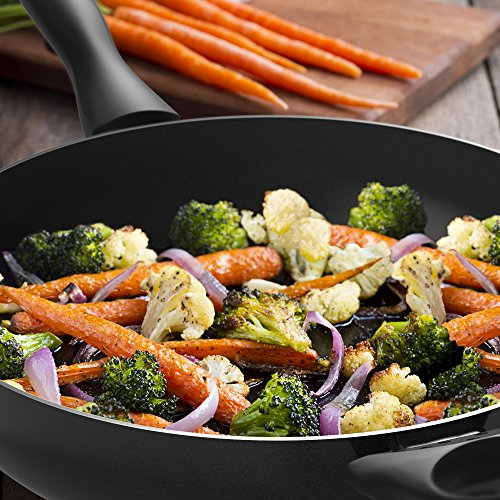 Vremi 12 Inch Nonstick Saute Pan Covered with Tempered Glass Lid - Big 5 Quart Capacity for Stir Fry Frying or as Saucepan - Non Stick Saute and Frying Pan - Deep Large and Ovenproof - Black by Vremi (Image #5)
