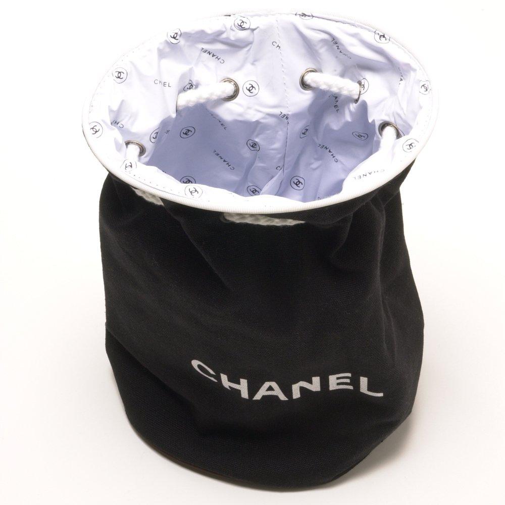 2c11a5921c00 Amazon.co.jp: CHANEL(シャネル) リュックサック バック 巾着 キャンバス素材 [CHANELロゴ] ブラック 【並行輸入品】:  服&ファッション小物