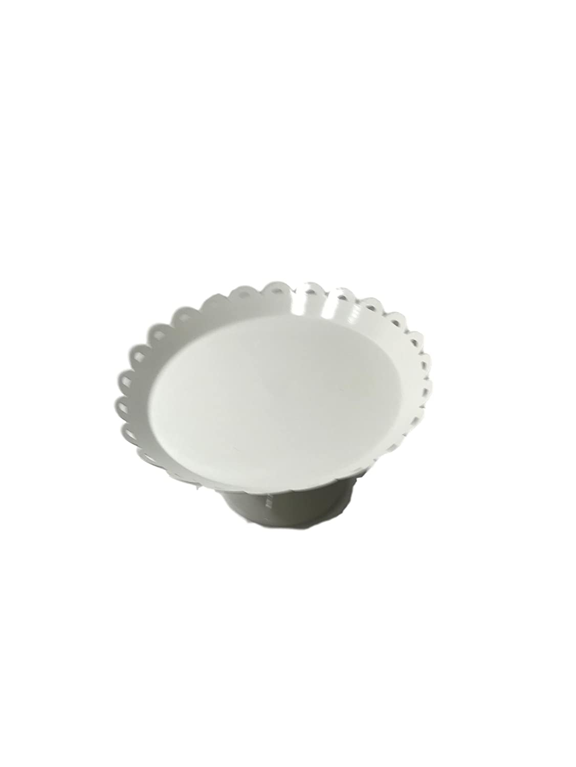 Spr!tz Cake Stand with Raised Scalloped Edge