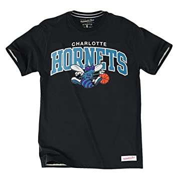 Mitchell & Ness Charlotte Hornets Tailored Arch NBA Camiseta de Negro
