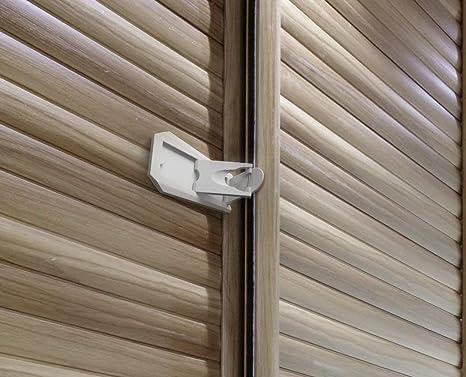 Bloqueo de la puerta corredera de armario correderas y cerraduras de ventanas, Pruebas de bebé seguro de Basics, 2 unidades: Amazon.es: Bebé