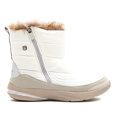 1acfd79aca5 BZees Luscious Faux Fur Short Puffer Boot Grosgrain Loop White 6.5M New  575-528