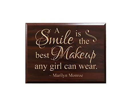 Amazoncom A Smile Is The Best Makeup Any Girl Can Wear Marilyn