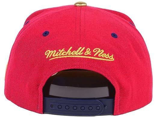 7895da8447f Amazon.com   Mitchell   Ness NBA USA 2 Tone Gold Logo Adjustable Snapback  Hat Red Navy (Chicago Bulls)   Sports   Outdoors