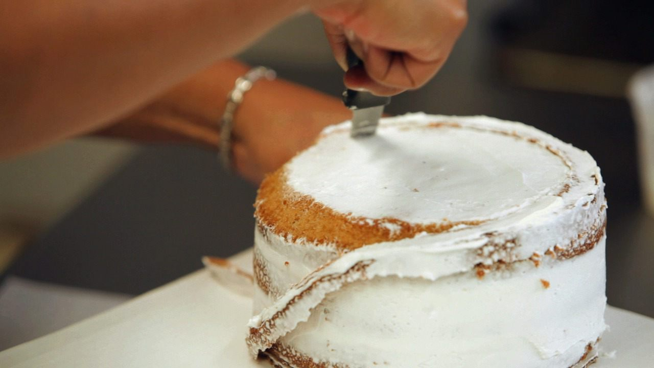 How To Shape A Baseball Cap Cake For Kids Birthday Party