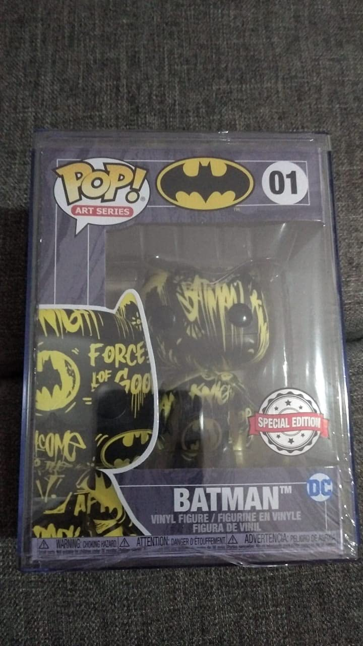 Funko POP Batman Artist Series Exclusive with Hard Stack POP Art Series: DC Comics #02 Blue /& Yellow Protector