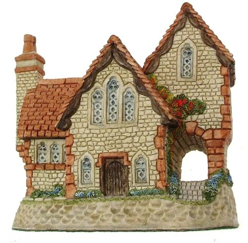 Cottage Staffordshire (David Winter Staffordshire Vicarage British Traditions collection - retired 1995 - DW31)