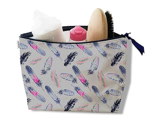 43702f1cf8a Trousse de toilette pour femme Motif Plumes roses et bleu marine fond gris  Réf. 3237