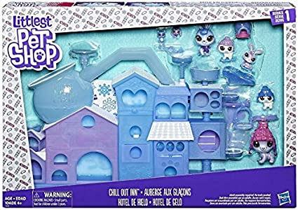Littlest Pet Shop On with the Show Play Set Hasbro