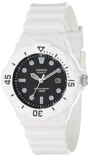 2f03052bebe Casio Women s LRW200H-1EVCF Dive Series Diver Look Analog Watch ...