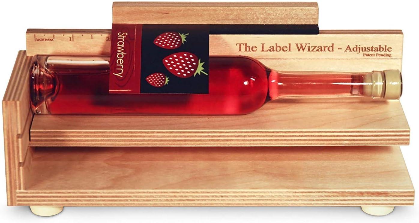 Wizard Works LLC Etiquetar Botellas y Botes | Sencillo y preciso | Etiquetadora de Botellas y de Botes | Ajustable para Diferentes diámetros | Producto de Madera de Abedul | Fabricado en EE.UU.