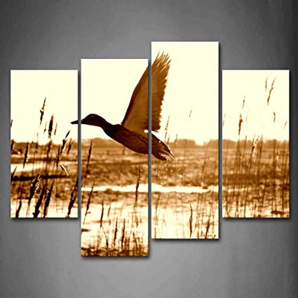 Amazon.com: Brown Duck Fly Upon River Wall Art Painting Pictures ...