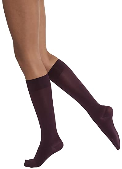 JOBST Womens Opaque 15-20 mmHg Knee High Compresion Socks (Cranberry, Large)