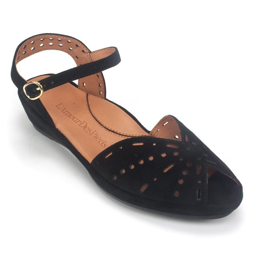 L`Amour Des Pieds Womens Brenn Black Sandal - 6 M