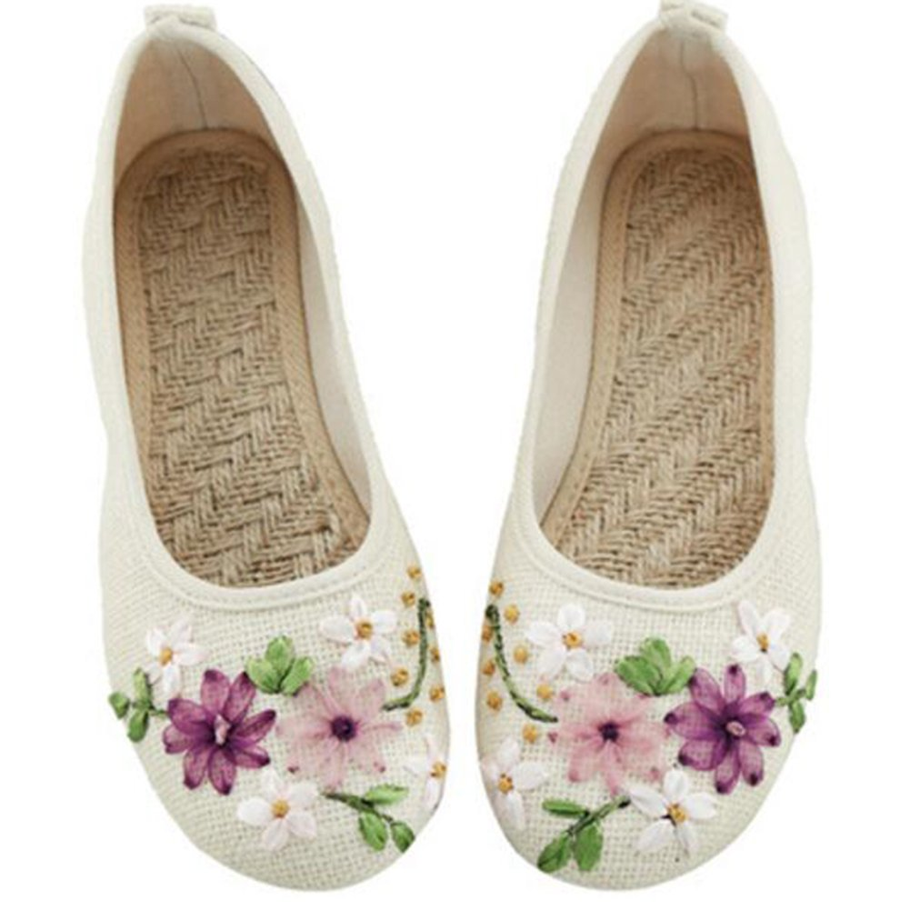 Amazon.com   COVOYYAR Women's National Style Embroidered Flower Ballet  Flats Slip On Shoes   Flats