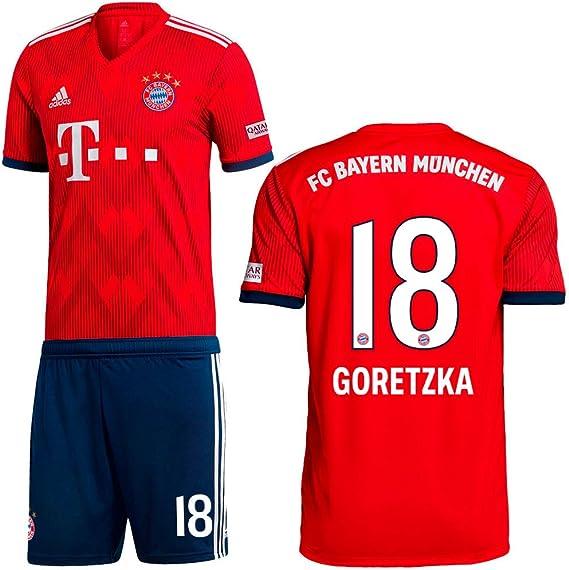 Adidas FC Bayern München, set composto da maglia e pantaloncini ...