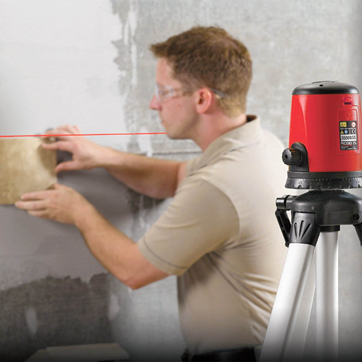 RIDGID 38758 Micro CL-100 Self-Levelling Cross-Line Laser Kit Horizontal and Vertical Laser Level with 30-Meter Interior Range