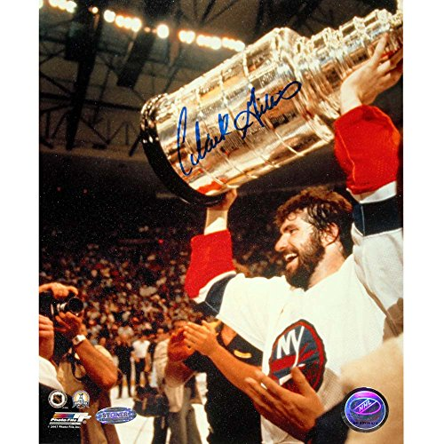 Clark Gillies Signed Stanley Cup Photo GILLPHS008002