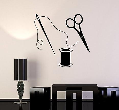 Pegatina pared aguja bobina tijeras 59 x 57cm para decoracion taller costura mercerias cuarto de estar