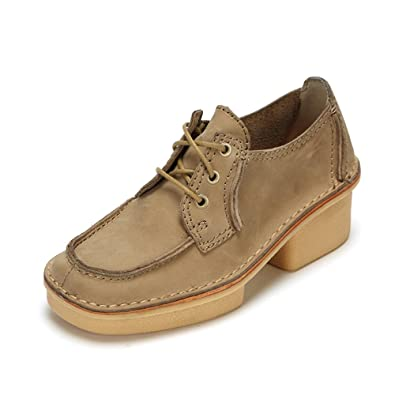 Clarks Originals Veldta Auberon Shoes in Sand Nubuck