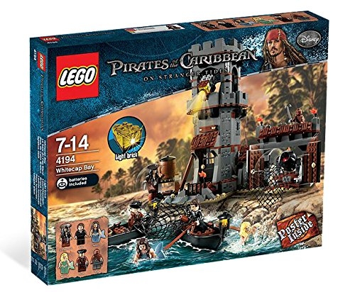 Lego Disney Pirates of the Caribbean Whitecap Bay (4194)]()