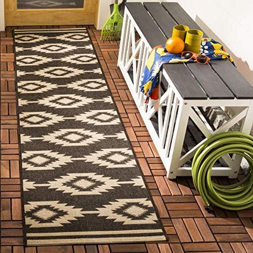 Amazon Com Safavieh Beach House Collection Bhs171u Indoor Outdoor Runner 2 2 X 8 Cream Brown Furniture Decor
