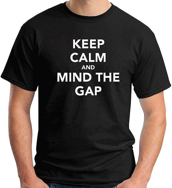 T-Shirt Hombre Negro TKC2779 Keep Calm and Mind The Gap: Amazon.es ...
