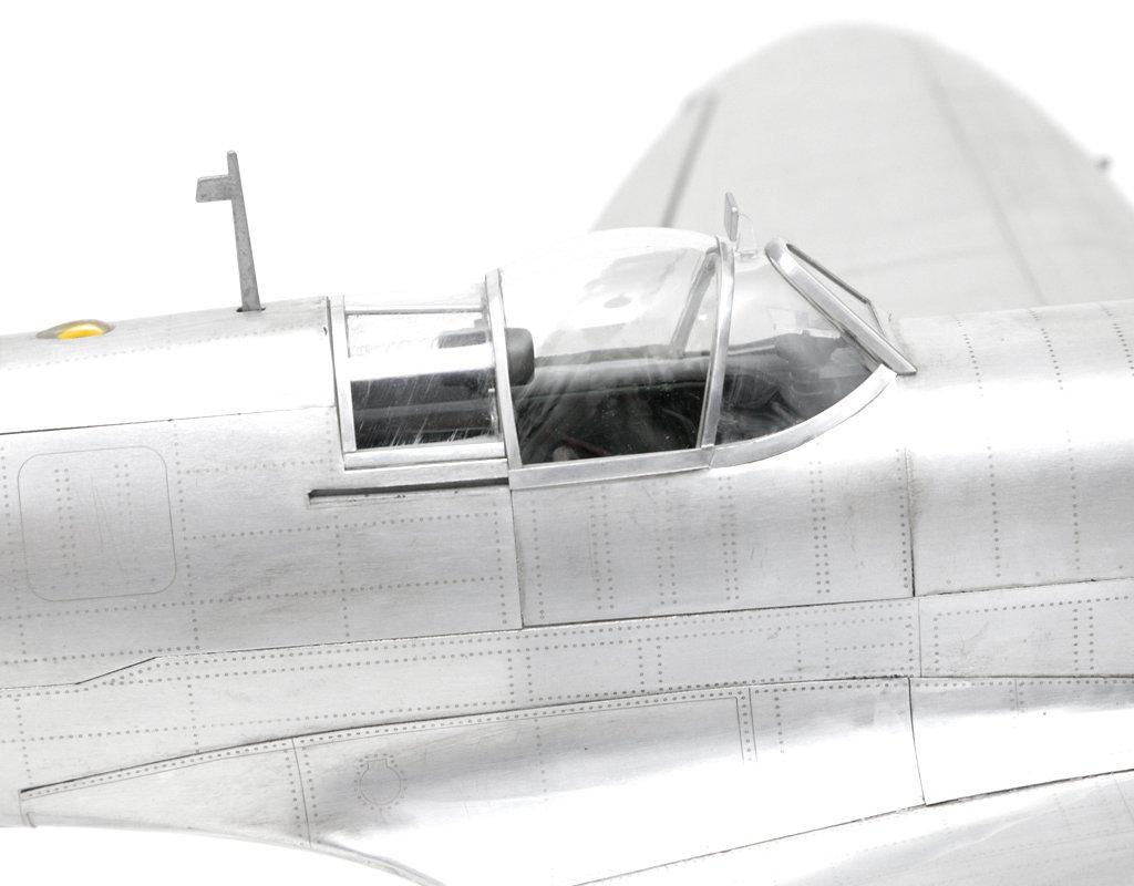 Brillibrum model aircraft Supermarine Spitfire Plus stand