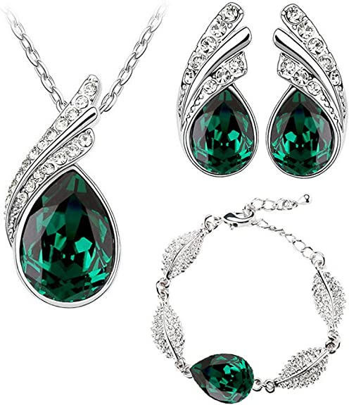 A Beautiful  Necklace /& Earrings Set In Emerald Green St Patrick/'s Day UK Post
