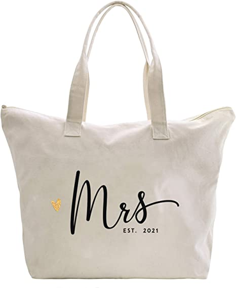 personalized bride bag Bride gift Bridal Shower gift honeymoon bag Furute Mrs Mrs Personalized bride Makeup Bag makeup bag Mrs bag
