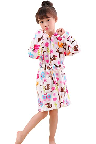 542be0b30b Amazon.com  JOXJOZ Boys   Girls Bathrobes Soft Fleece Hoodie Cartoon Robes  with Pockets Comfy Sleepwear Pajamas Loungewear for Kids  Clothing