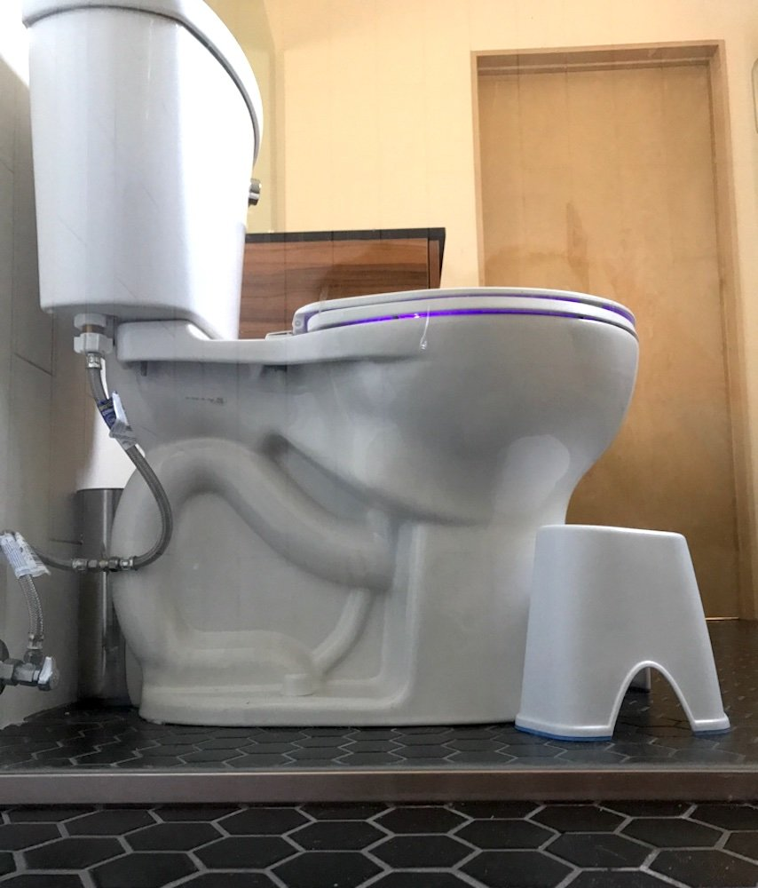 Tabouret de toilette The Happy Squatter Marche de posture Antibactérien Taille unique pour toutes les toilettes Antidérapant Position accroupie pour cabinet de toilette The Happy Squatter Ltd