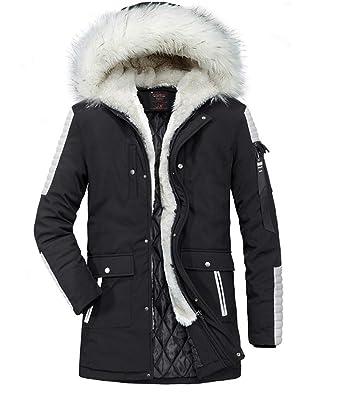 Manteau en fourrure noir avec capuche