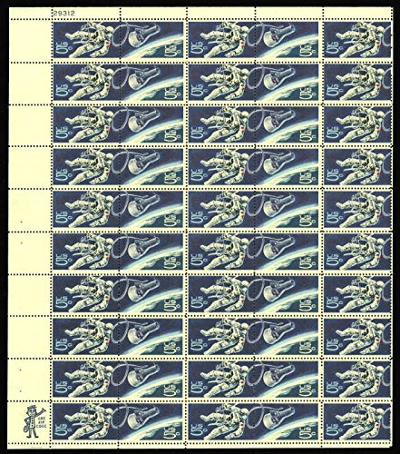 Space Twins Walking Astronaut Sheet of 50 x 5 Cent US Postage Stamps Scott 1331-32 ()