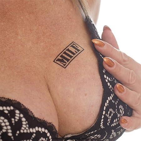 Tatuaje con sello suave, texto negro pequeño, tatuaje fetiche sexy ...