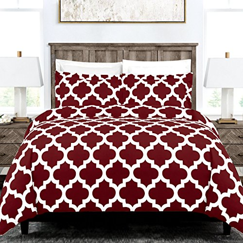- Italian Luxury Quatrefoil Duvet Cover Set - 3-Piece Ultra Soft Double Brushed Microfiber Printed Cover with Shams - King/California King - Burgundy/White
