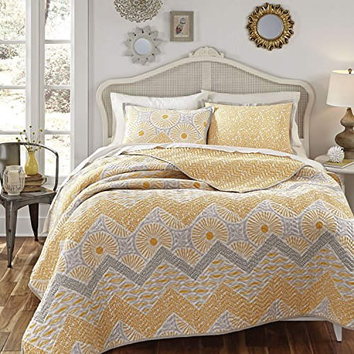 3 Piece Multi Geometric Chevron Stripes Themed Quilt Set King Size, Stylish All Over Rich Textural Striped Pattern, French Country Style, Zig Zag Reverse Bedding, Vibrant Colors Grey Yellow White by SE
