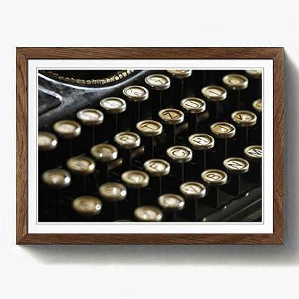 """Big Box Art """"Vintage máquina de Escribir 2"""" Nogal Enmarcado A2 impresión,"""