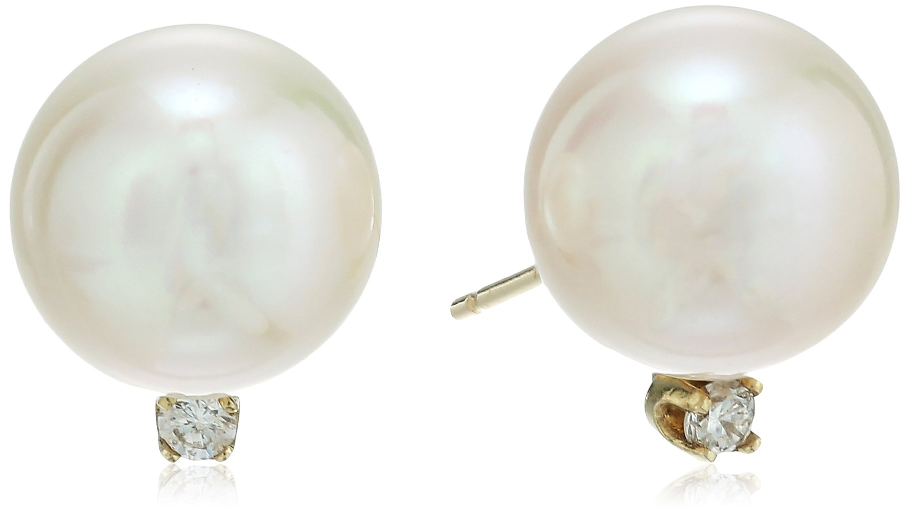 14k Yellow Gold Diamond with 10-10.5mm Round White Freshwater Cultured Pearl Stud Earrings (1/10 cttw, G-H Color, SI1-SI2 Clarity)