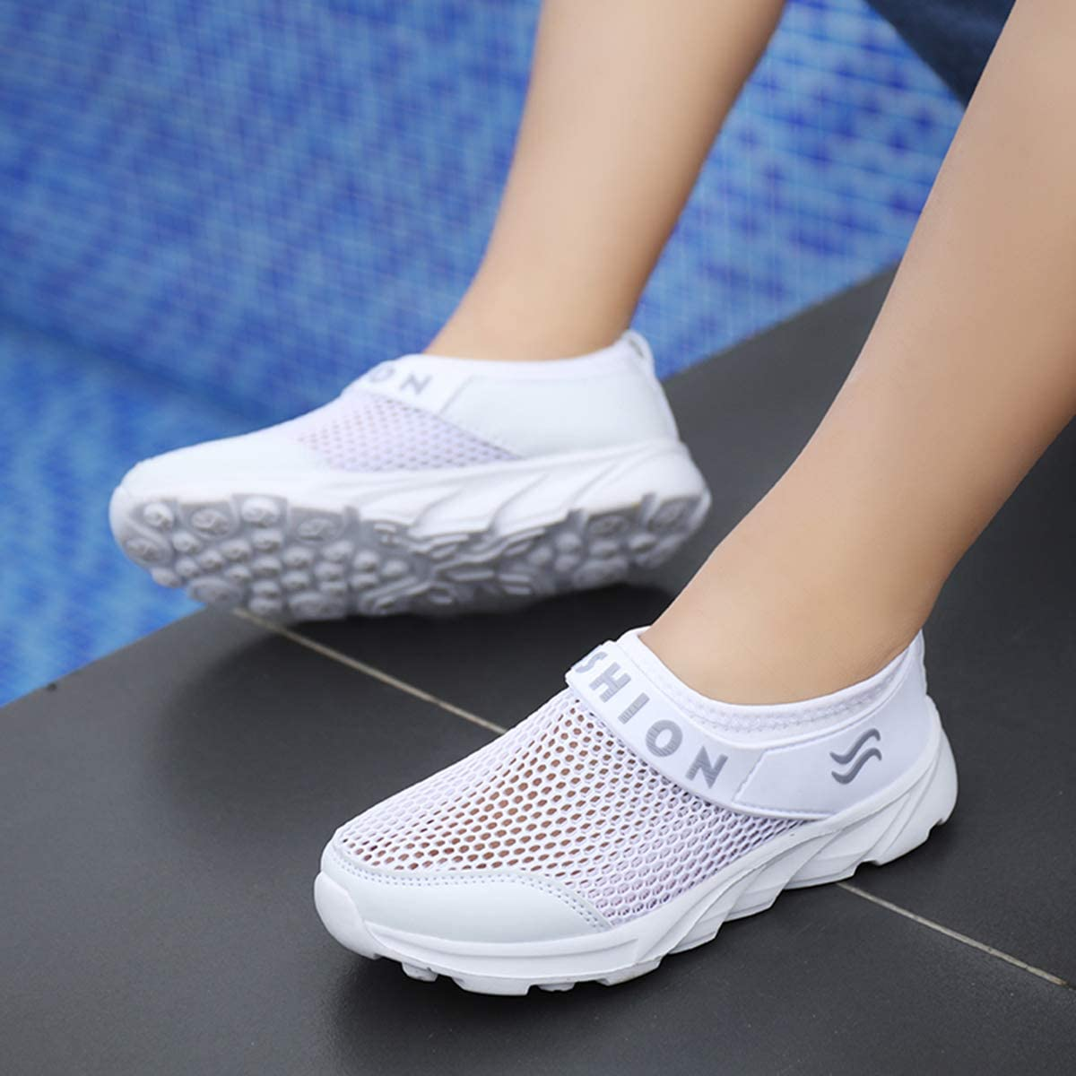 Kids Breathable Mesh Sports Sneakers Girls Boys Ultralight Summer Outdoor Running Shoes