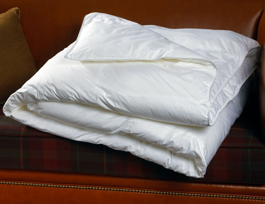 Sheraton Hotel Queen Down Alternative Comforter / Duvet