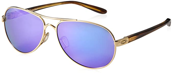 64de80965f Amazon.com  Oakley Women s Tie Breaker Sunglasses Gold Violet  Clothing