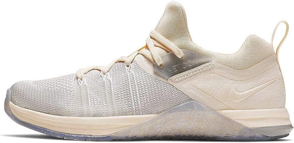Nike W Metcon Flyknit 3 MTLC Womens Sneakers BQ8797-001, Matte 銀/Guava Ice-白い, Size US 9